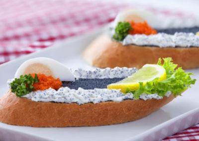 chlebíček s kaviárem