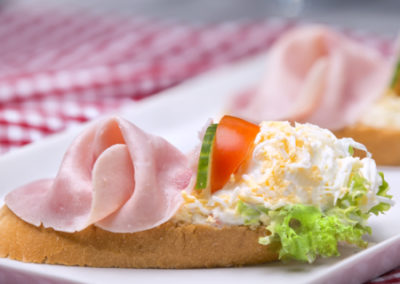 chlebíček vajíčkový se šunkou